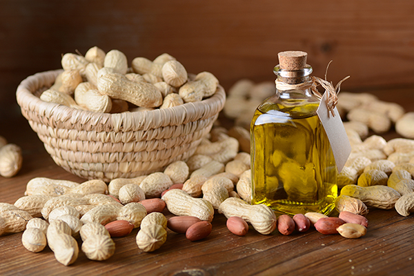 Peanut oil and peanuts