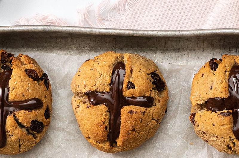 Hot cross buns baking recipe